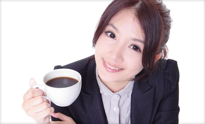 コーヒーを飲みながらビジネス書